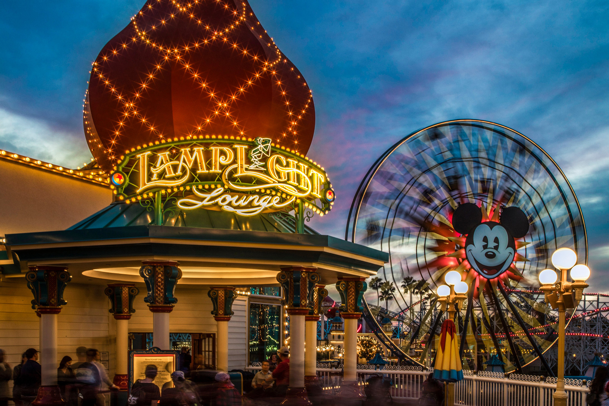 25 Disneyland Rides That You Need To Go On Ranked