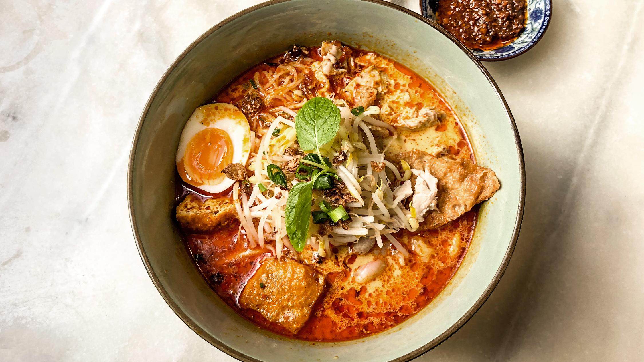 Chicken and prawn laksa at Ho Jiak