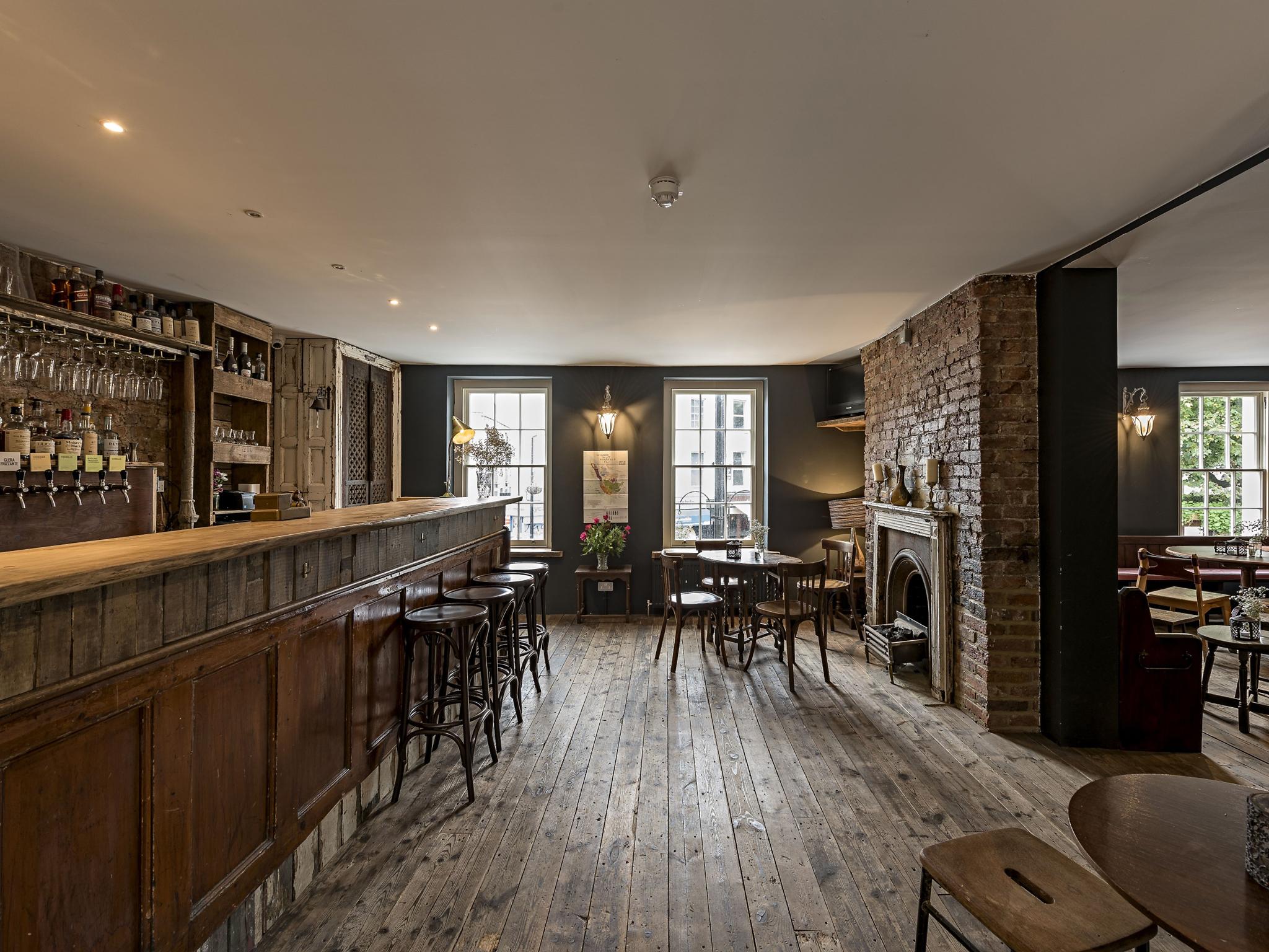best london bridge bars, tap and bottle