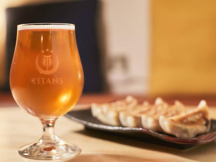 【クラフトビール】タイタンズ クラフトビアタップルーム&ボトルショップ