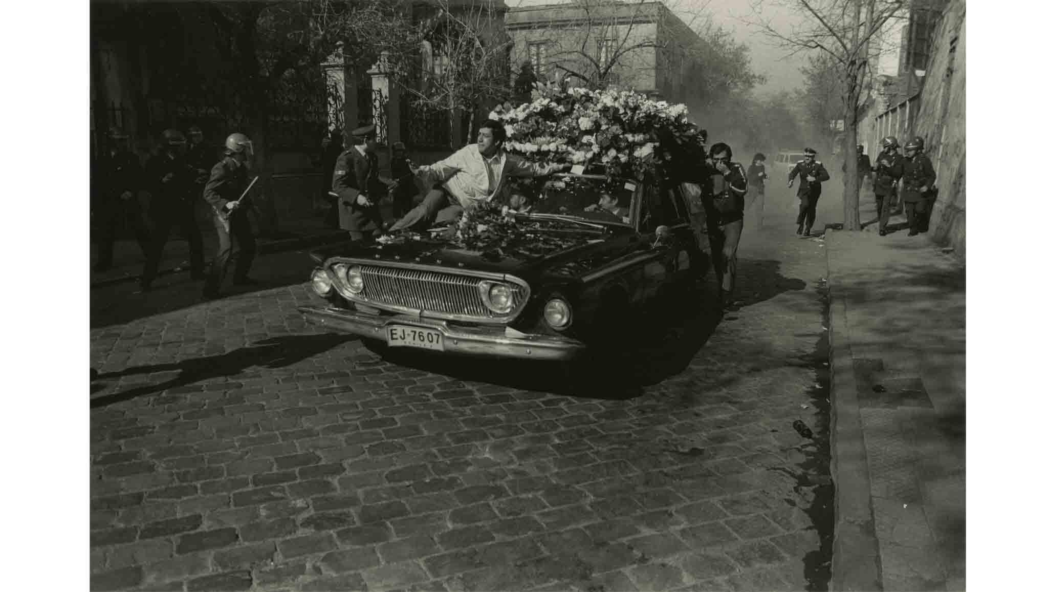 Urban Impulses: Latin American Photography From 1959 - 2016