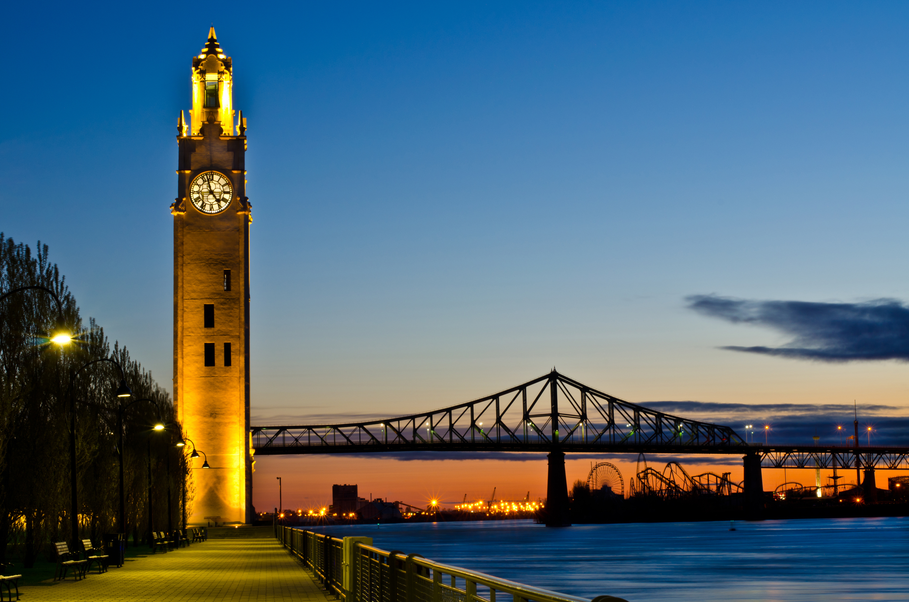The Clock Tower and The Jacques-Cartier Bridge / Tour de l'Horloge et Le pont Jacques-Cartier