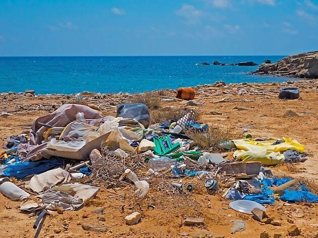 Esta es la alarmante cantidad de plástico que amenaza la costa de Barcelona