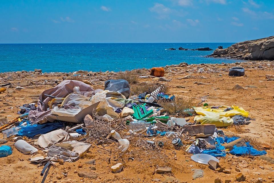 Plastico en el Mediterraneo