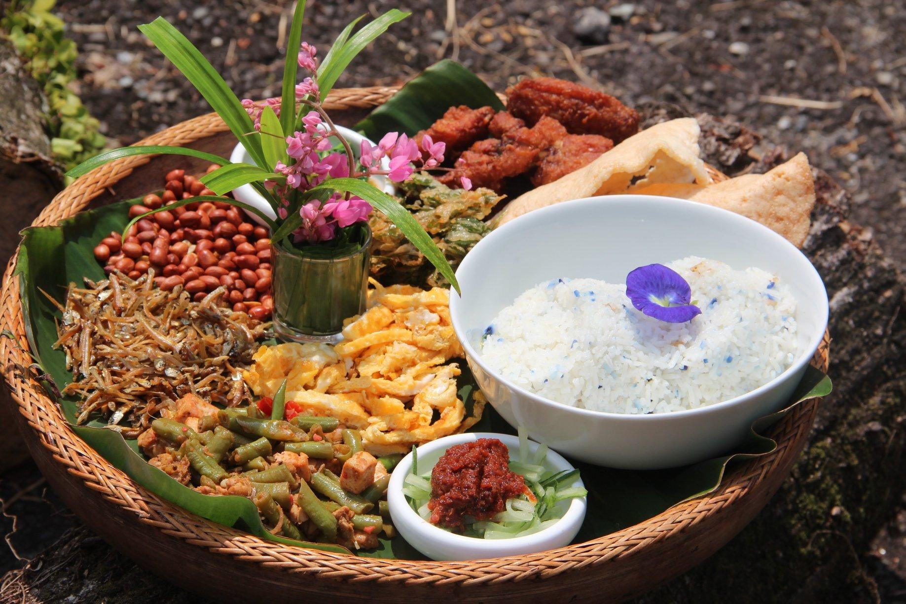 Bollywood Veggies, Poison Ivy Bistro