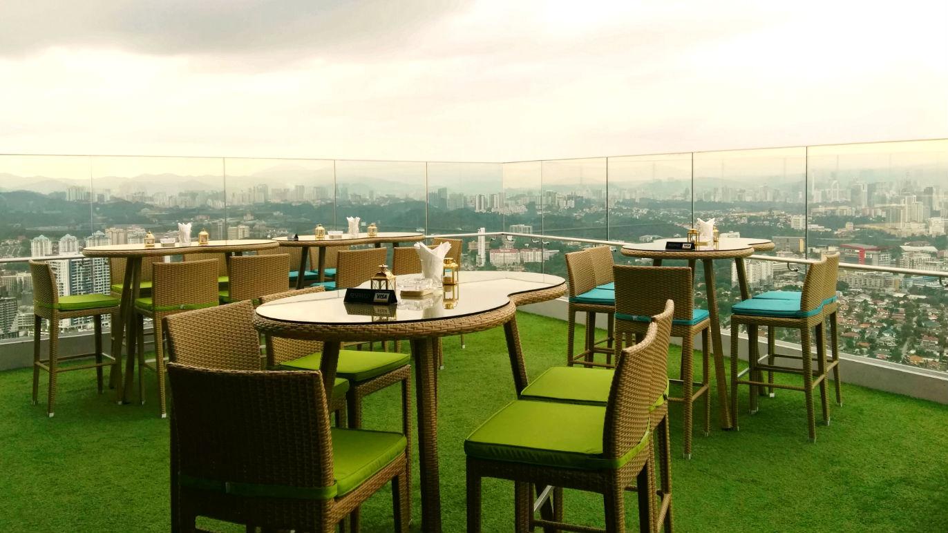 Tropical rooftop vibes at Marimbar