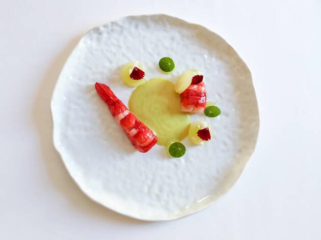 Carabineiro com caril e maçã verde do Vila Foz