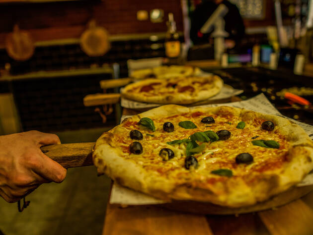Fireaway Pizza Restaurants In Borough Of Croydon London
