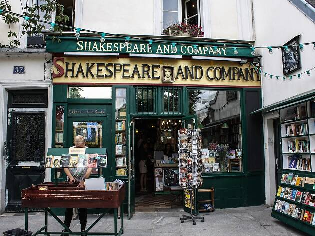 Shakespeare and company bookshop in the Latin Quarter in Paris