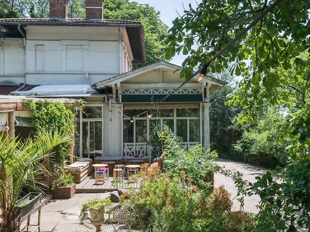 Les 27 meilleures terrasses cachées de Paris | Oasis de paix !