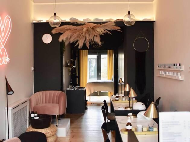 Still London salon