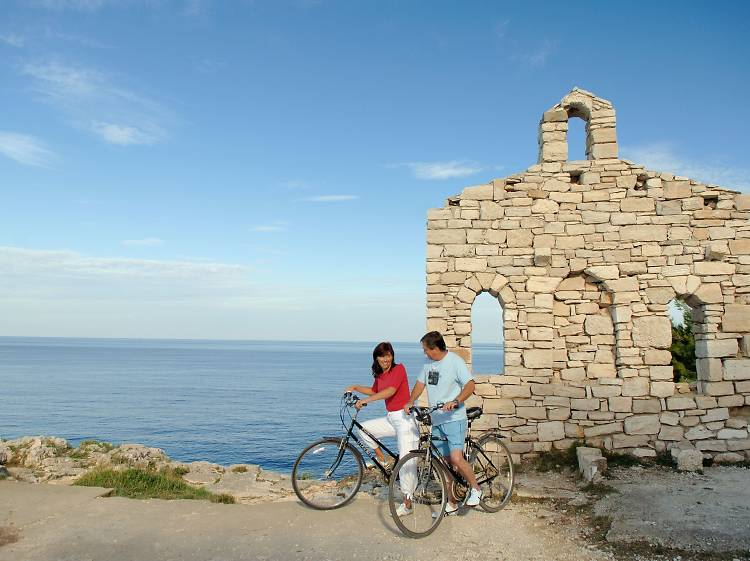 Cycle the St Elyseus route