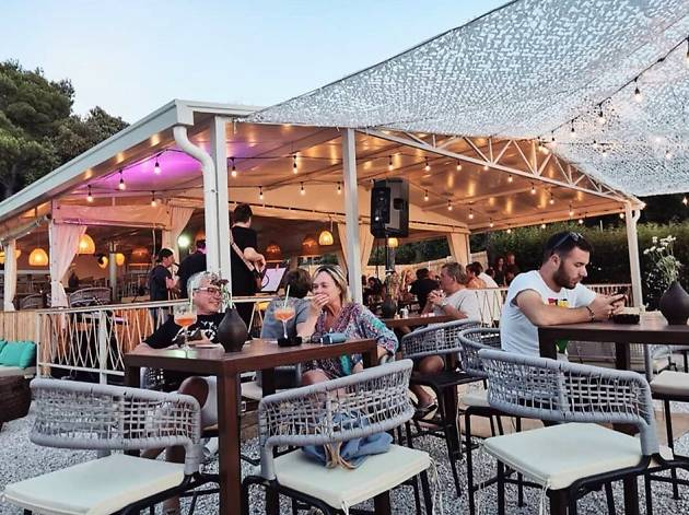 Casanova Beach Bar