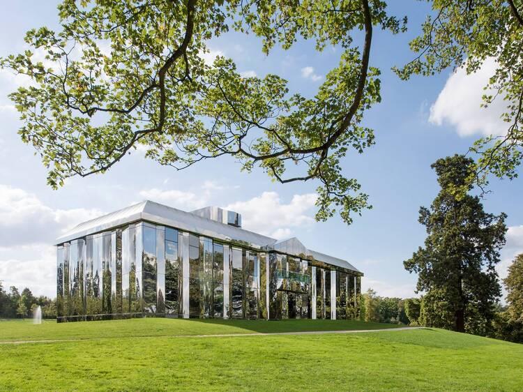 Sur les pelouses du FRAC •Parc culturel de Rentilly