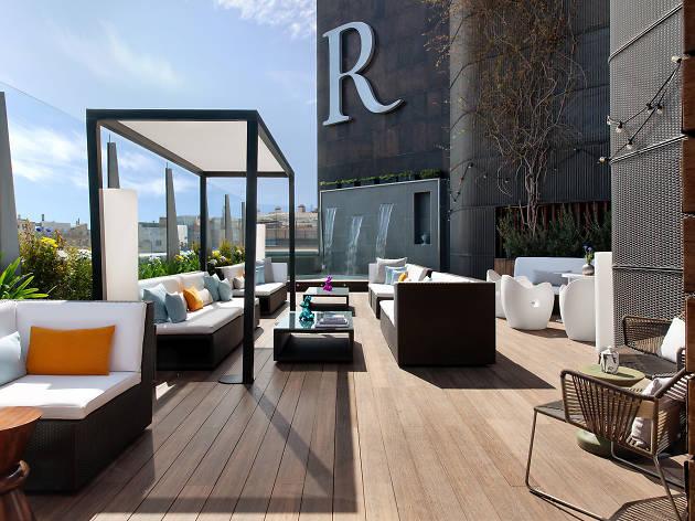 Renaissance Barcelona Hotel amenitza les nits d'estiu