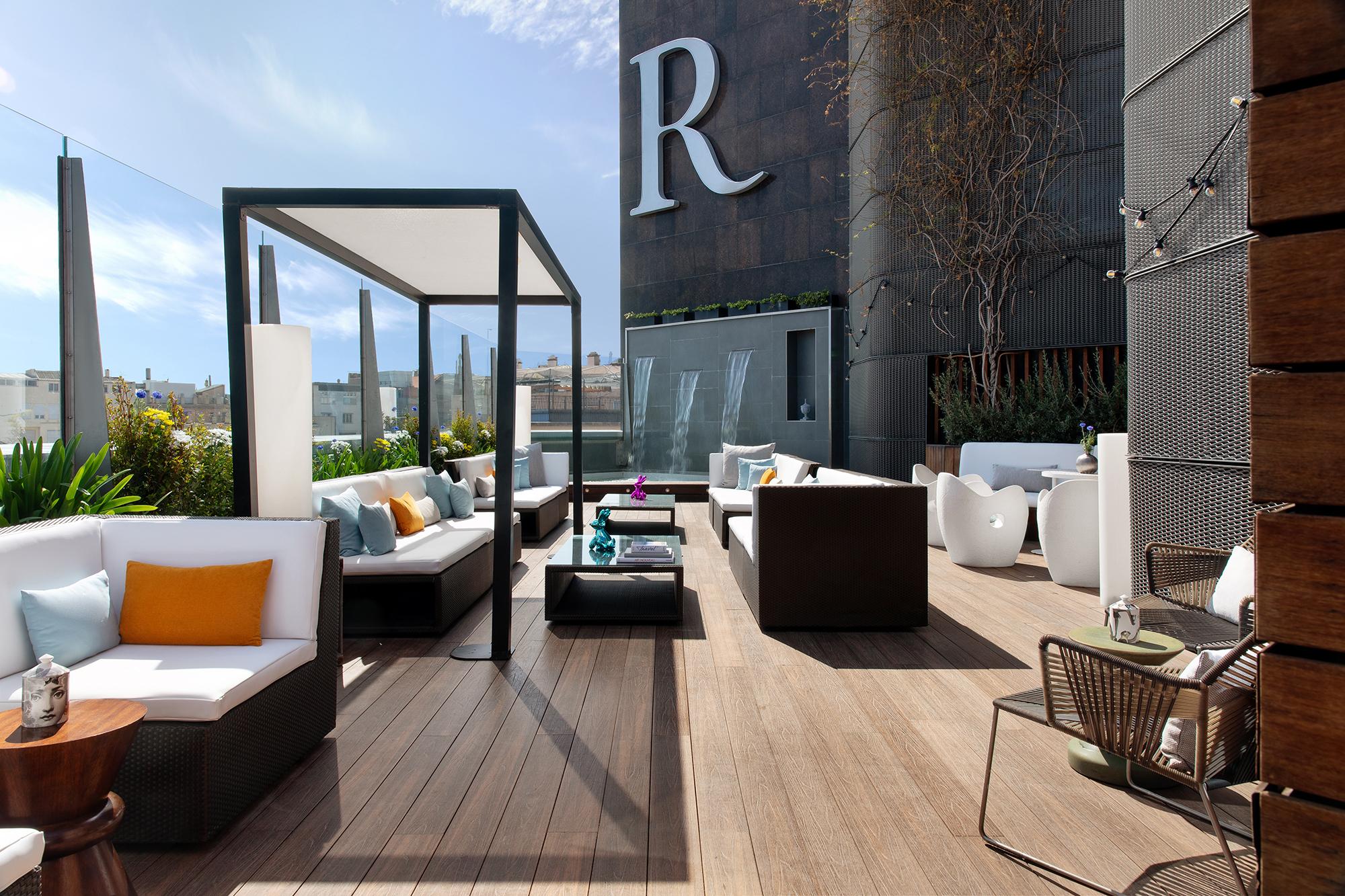 Renaissance Barcelona Hotel ameniza las noches  de verano