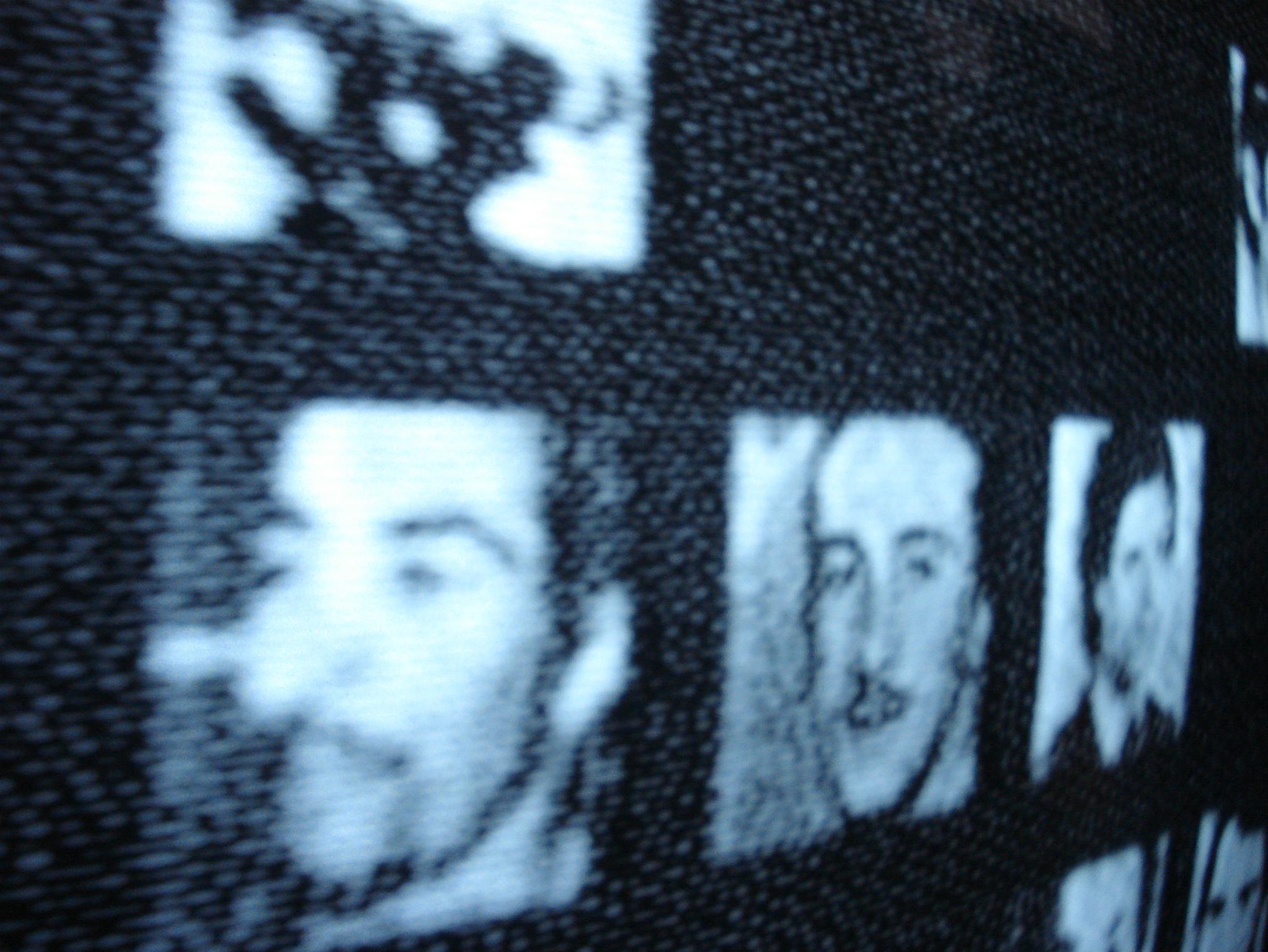 Coincidencias Narrativas (Foto: Leo Nuñez, Rostros. Instalación interactiva, televisión de cinescopio 70 ́s. 2006. Cortesía del artista)