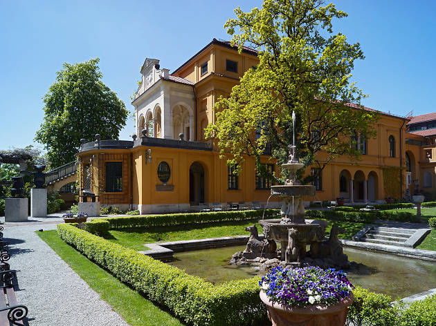 The lush gardens at the Lenbachhaus museum in Munich