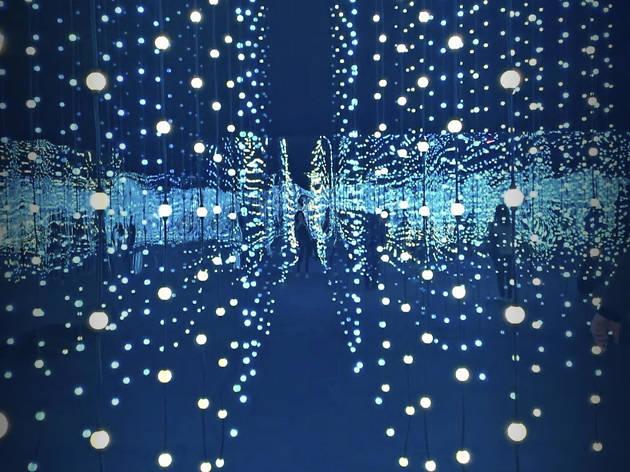 Submergence, una instalación lumínica que debes visitar