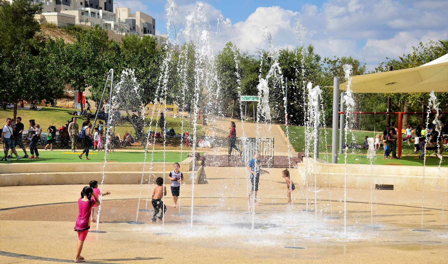 The best splash pads, sprinklers, and fountains around Israel