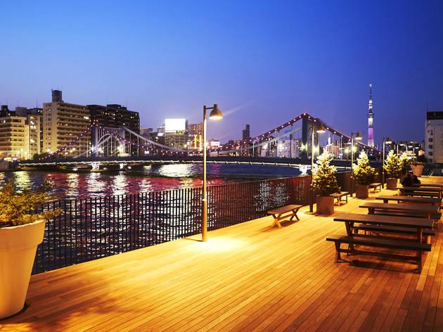 東京、リバーサイドのレストラン・バー9選