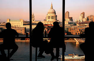 couple, first date in London