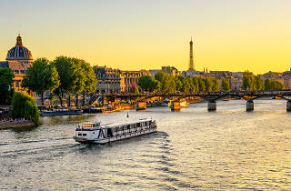 Paris Pass - Shutterstock
