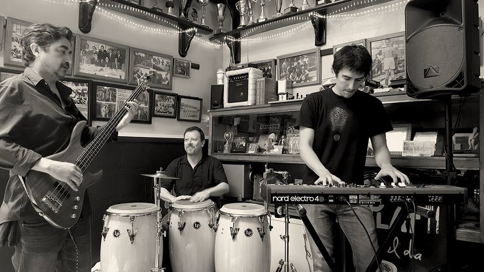 Els dijous sota la palmera: Matizz Band