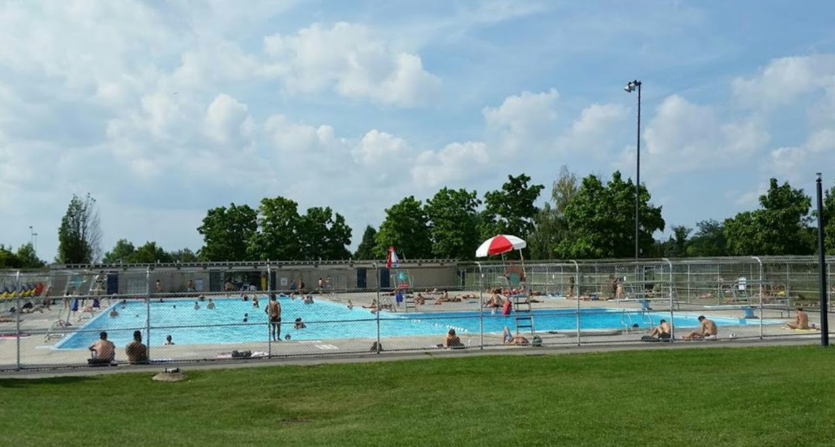 Jarry Park Swimming Pool