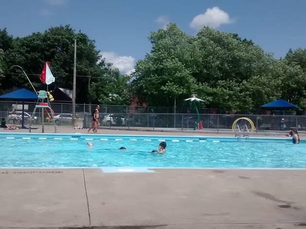 Confederation Park Pool