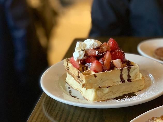 Cafe Luna | Restaurants in Kendall Sq, Cambridge