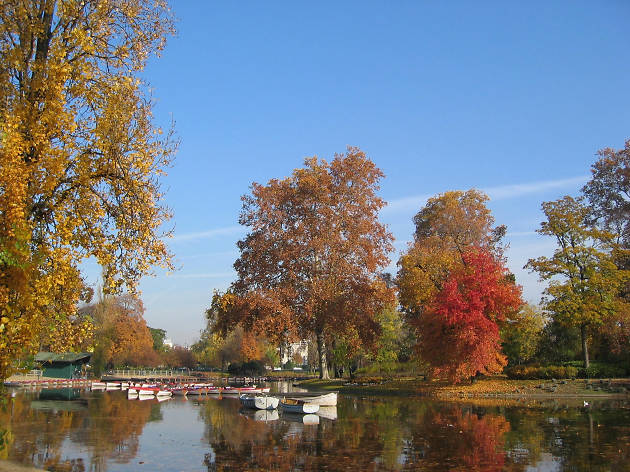 A boating lake in the Bois de Vincennes