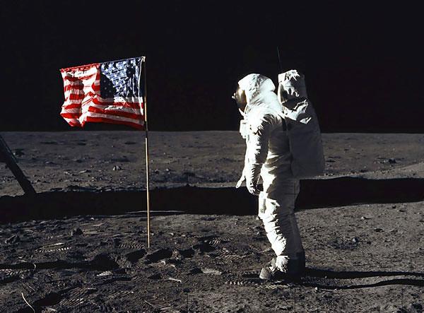 Neil Armstrong chegou à Lua em 1969