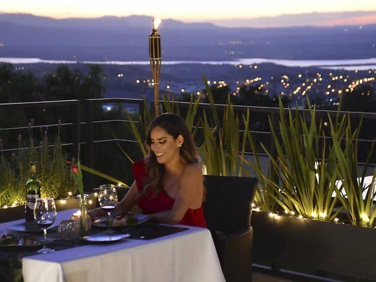 Cena romántica en Hotel Hilo Rojo