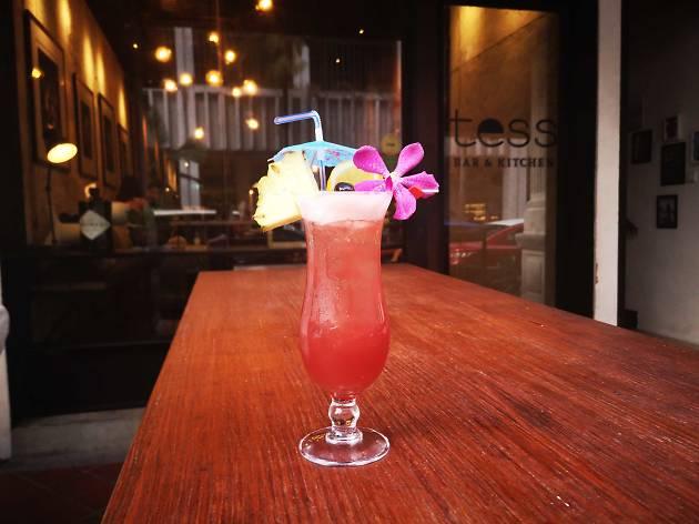 Tess Bar Singapore Sling