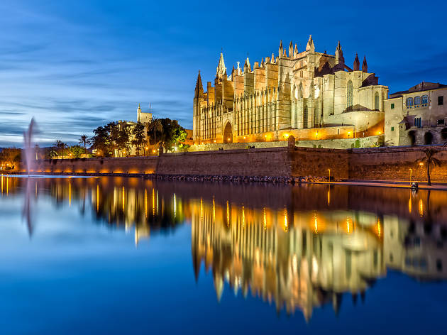 Palma cathedral by the water