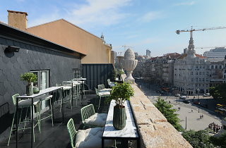 Auru Rooftop Bar