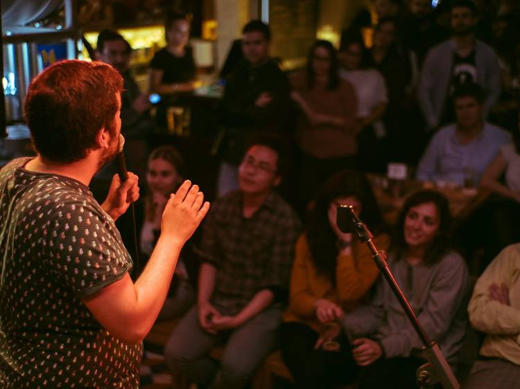 Conheça três sítios com noites de stand-up comedy no Porto