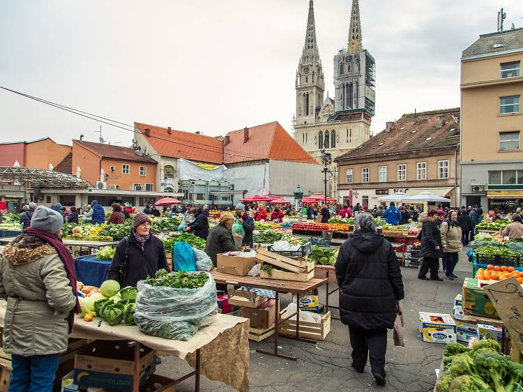 Inspire yourself at the city's lagest daily market