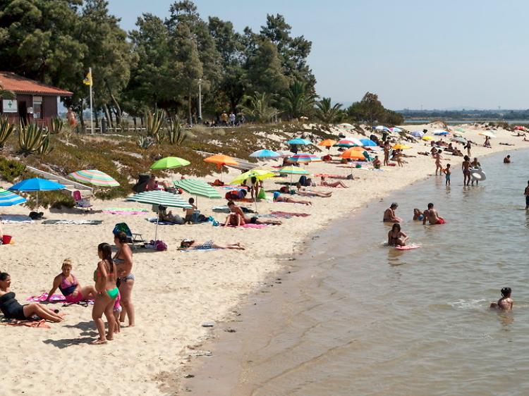 Doze praias fluviais perto de Lisboa