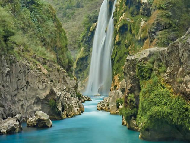 Cascada de Tamul en Aquismón, San Luis Potosí
