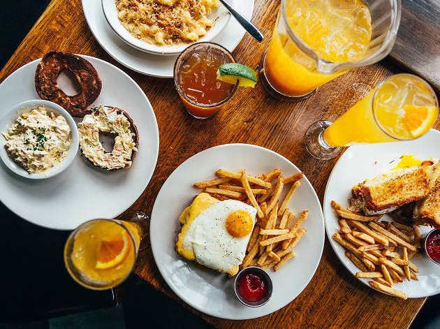 Where to find bottomless brunches in Chicago