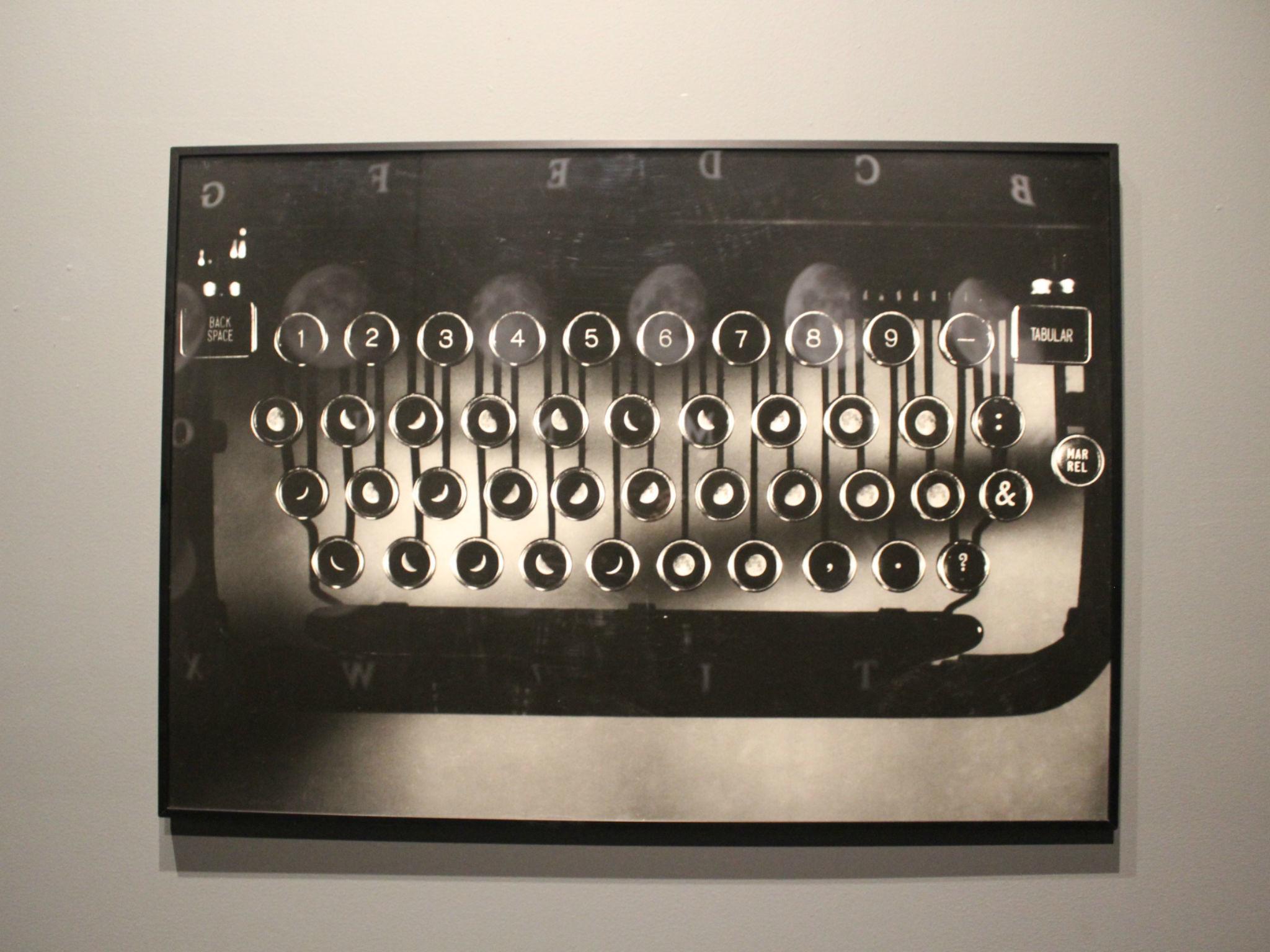 Instalación de Leandro Katz