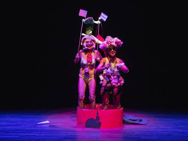 """Ciudad de México. 10 junio 2019.XI Encuentro Hemisférico de Performance y Política.""""El mundo al revés: humor, ruido y performance"""". El ciervo encantado (Cuba). Guan melón!!!... Tu melón!!!"""
