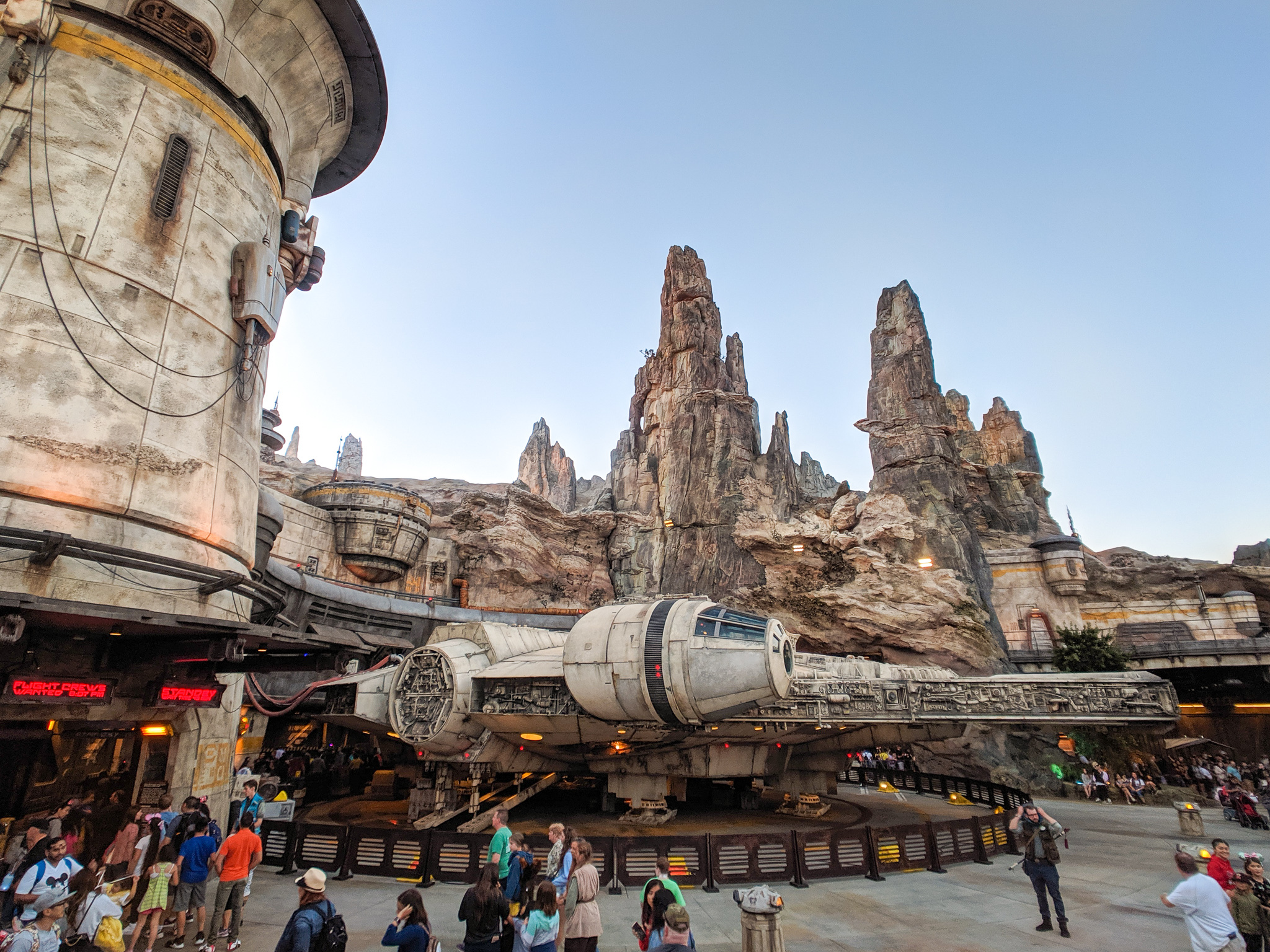 The 25 best Disneyland rides