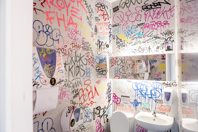 Casa de banho Crack Kids