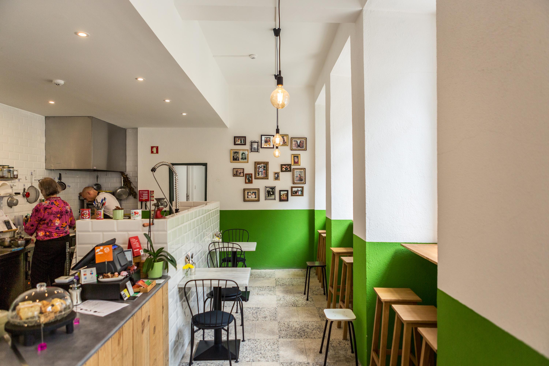 Tiffin, um café à base de plantas nas Janelas Verdes