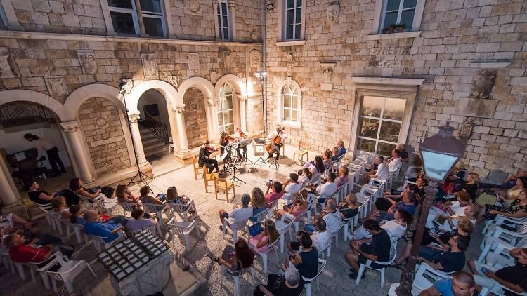 Music performance in Trogir