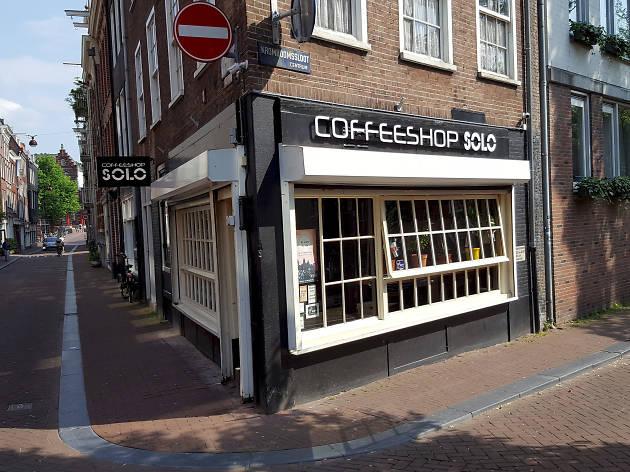 The exterior of Coffeeshop Solo near Dam Square