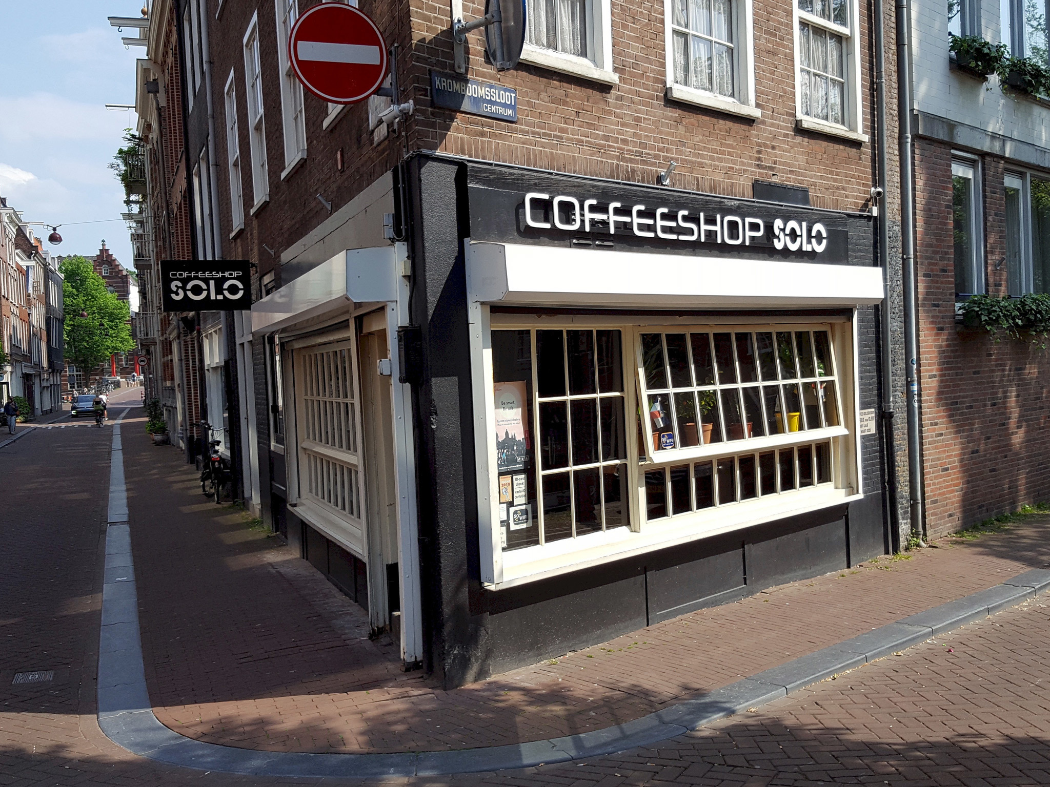 14 Best Coffeeshops in Amsterdam for a Legal High